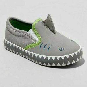 NWT boys Cat & Jack Bruce shark slip on sneakers